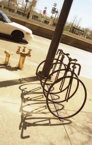 Pedalea 2. Exposición Bici 2006. Título. Aparcamientos Chicago